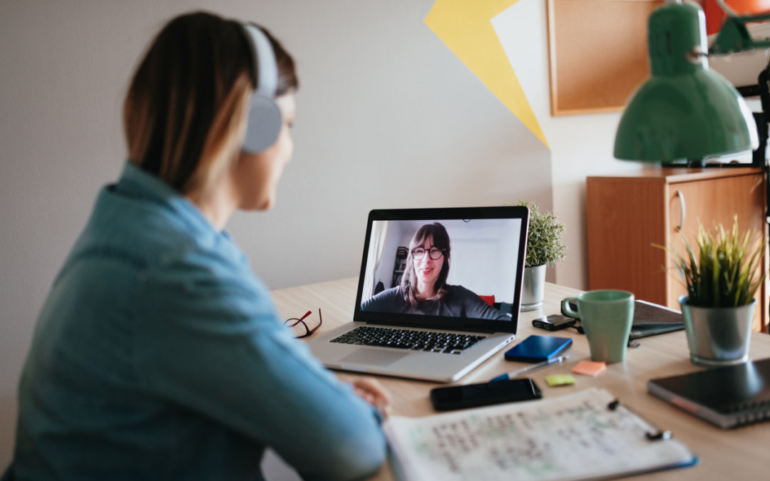 Écrits professionnels : développez votre aisance grâce à 10 heures de cours en visioconférence