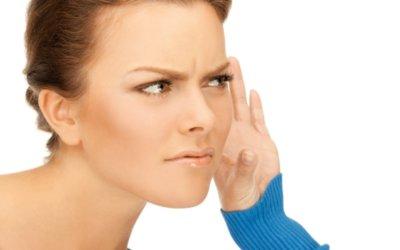 «Entendre» dans le sens d'» écouter», à utiliser avec circonspection !